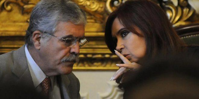 Piden embargar a Cristina Kirchner y a Julio De Vido