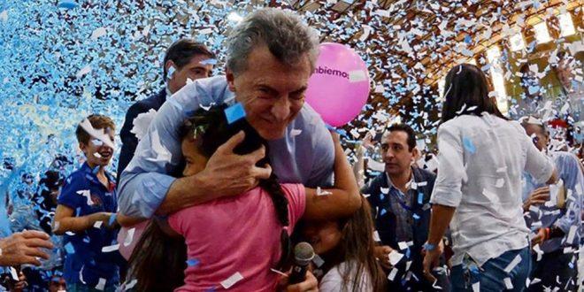 """Mauricio Macri tras un comodo triunfo en legislativas se alista para """"cambiar a Argentina para siempre"""""""