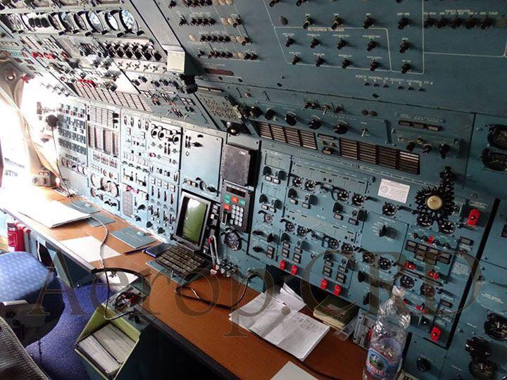 EL ANTONOV AN124-100 POR DENTRO.