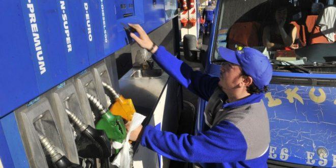 YPF baja 1,5% los precios de la nafta