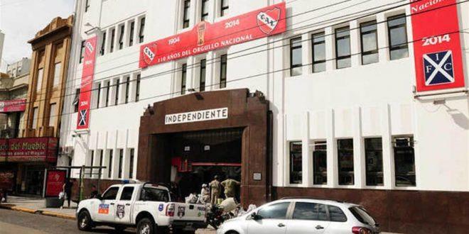 Allanan sede de Independiente por causa de lavado de activos