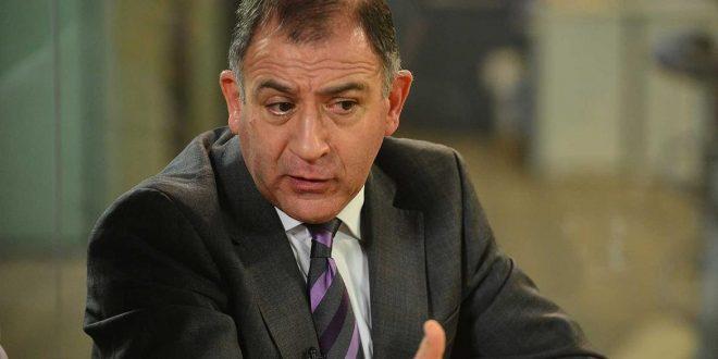El Gobierno oficializa la salida de Luis Juez de la embajada ecuatoriana