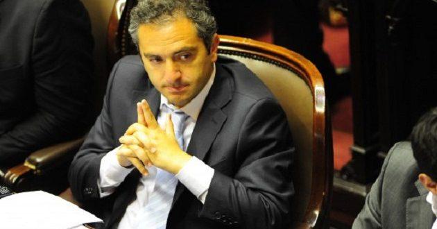 "El Kirchnerismo se acerca a Hugo Moyano paraponerle un freno a reforma laboral"""
