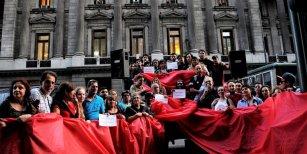 Fundación Huésped apuntó contra el Gobierno por la falta de medicamentos contra el VIH