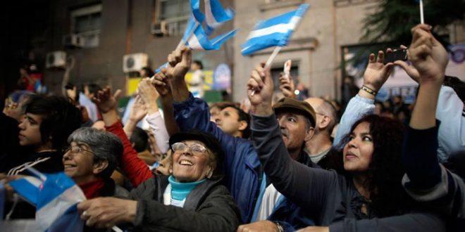 Los argentinos, entre los diez más felices del mundo