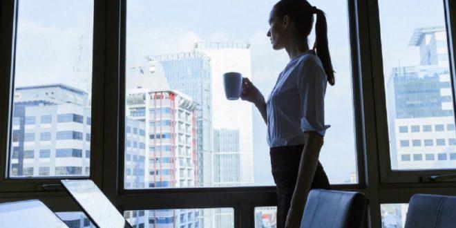 ¿Por qué hay menos mujeres en puestos directivos?