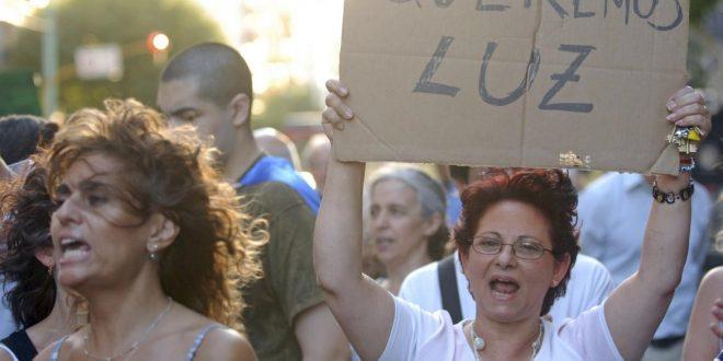 Mas de 100 mil hogares sin luz en Capital Federal y el Gran Buenos Aires