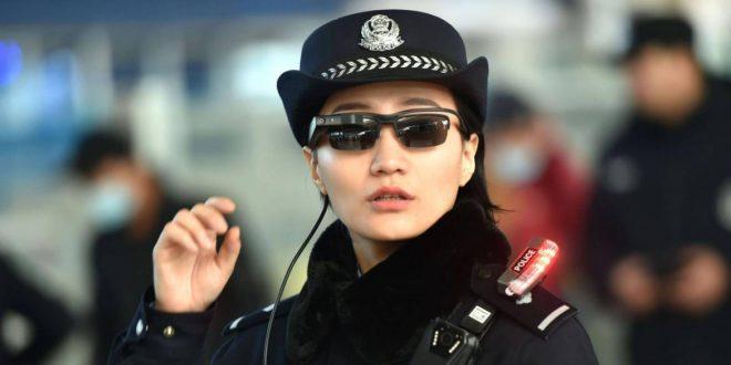 Policía usa gafas con reconocimiento facial para identificar a sospechosos en China
