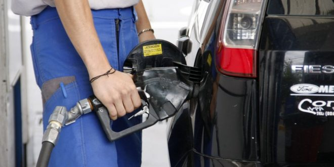 El litro de nafta ya supera los $ 32