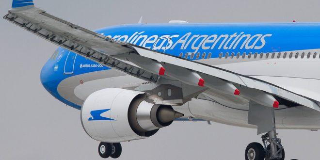Aerolineas Argentinas suspendió la venta de pasajes