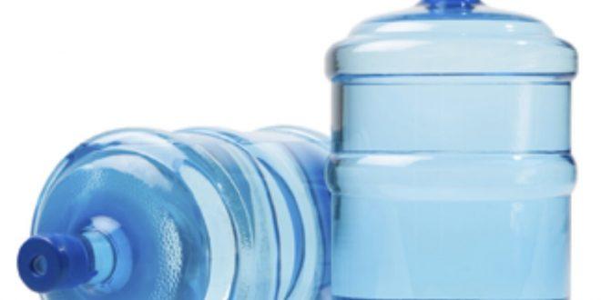 Alertan sobre el riesgo de consumir dos marcas de agua