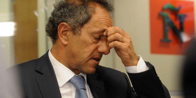 Citan a indagatoria a Scioli por irregularidades en la adjudicación de obra pública