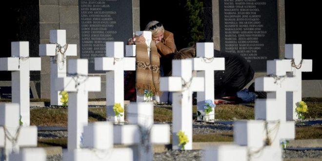El homenaje de los familiares a los caídos en Malvinas, en fotos