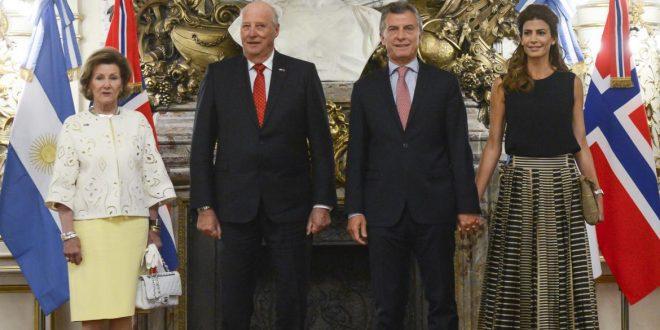 Macri recibió a los reyes de Noruega