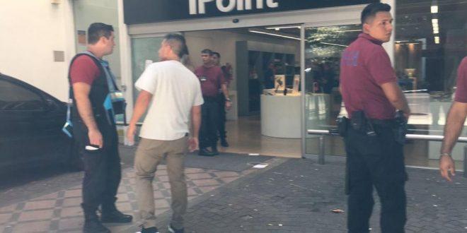Tiroteo entre delincuentes y la policía en Palermo