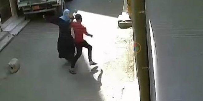 Video: la mujer egipcia que se defiende y se transformó en un símbolo contra el acoso callejero