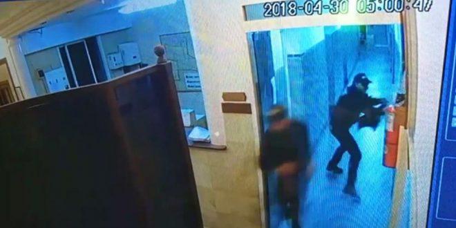 Video: Así fue el ataque de delincuentes a la comisaría de San Justo para liberar a un preso