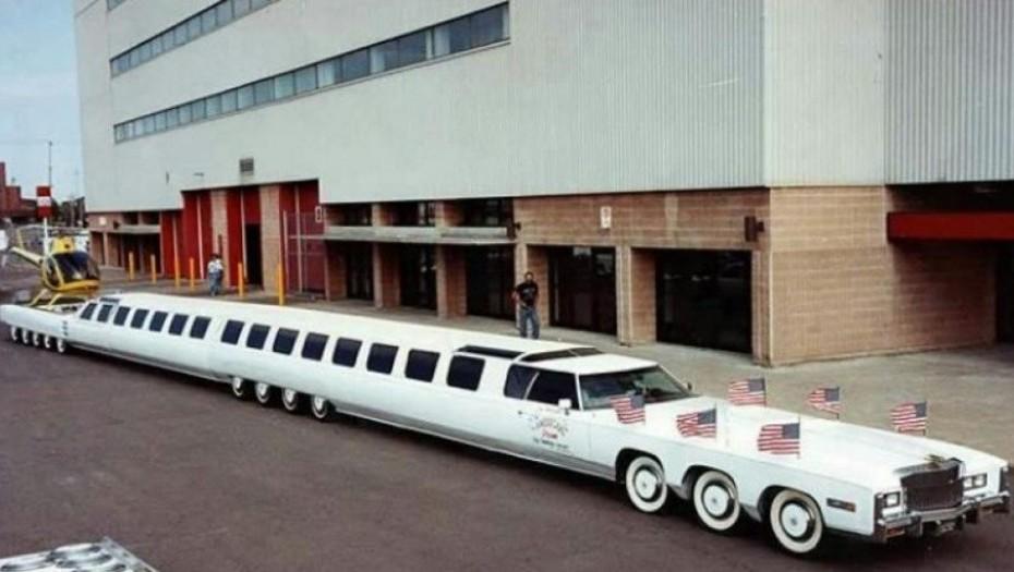 El auto más largo del mundo von pileta y un helipuerto. Conocelo