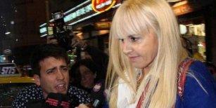 La decisión de Claudia Villafañe tras los dichos de las hermanas de Maradona