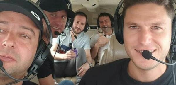 La desgarradora historia de los 5 amigos que se estrellaron con la avioneta