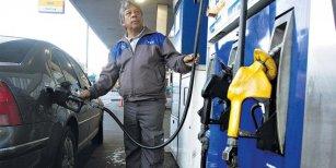 YPF sube un 3% el valor de la nafta en todo el país