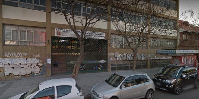 Un adolescente de 14 años llevó un arma a una escuela del centro de Mar del Plata