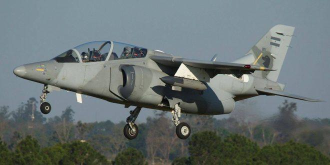 Un avión de las Fuerzas Armadas interceptó y obligó a aterrizar a una avioneta ilegal en Salta