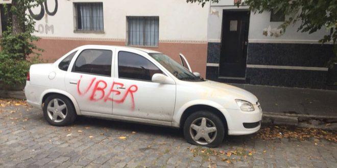 Así opera la mafia de los taxis contra Uber
