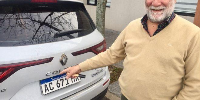 Grieta: Cambió la K por la C en la patente de su camioneta