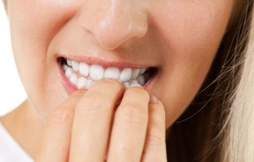 Comerse las uñas podría ser mortal, enterate porqué