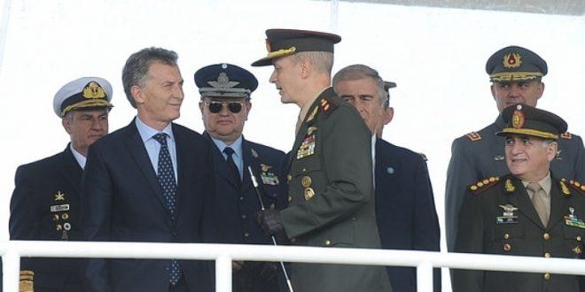 """Macri: """"Necesitamos FFAA brindando apoyo logístico a las fuerzas de seguridad para cuidar a los argentinos"""""""