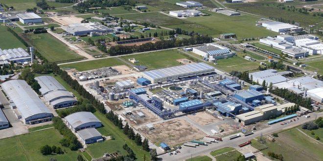 Lanzan una línea de créditos para que PyMEs se instalen en parques industriales bonaerenses