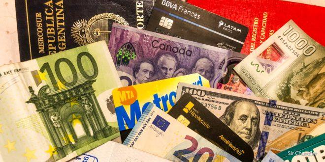 Cómo conviene pagar los gastos en el exterior