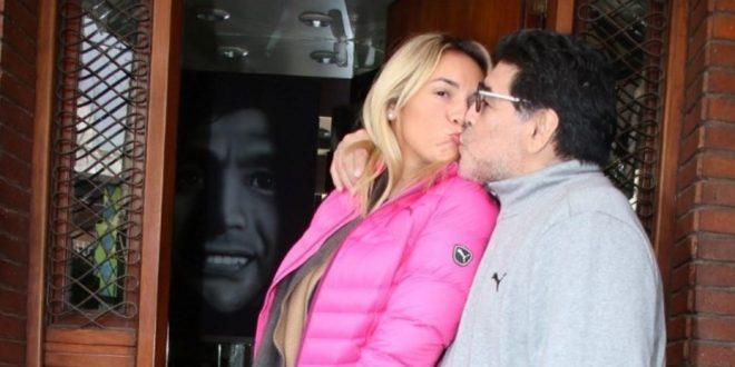 La primera foto de la vuelta de Diego al país con Rocío Oliva