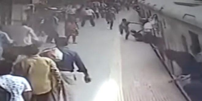 Video: Mujer quedó atrapada en un tren en marcha y fue arrastrada
