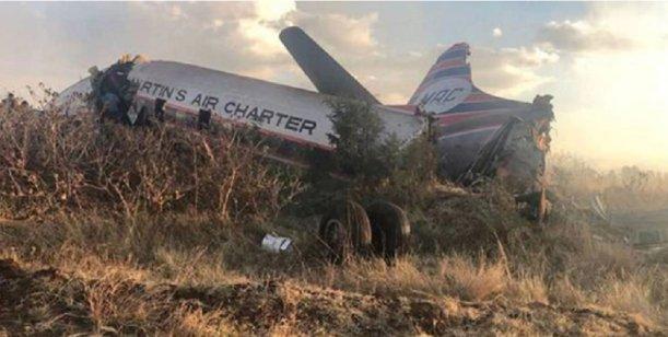 Video impactante : Pasajero graba desde adentro del avión el momento antes de estrellarse