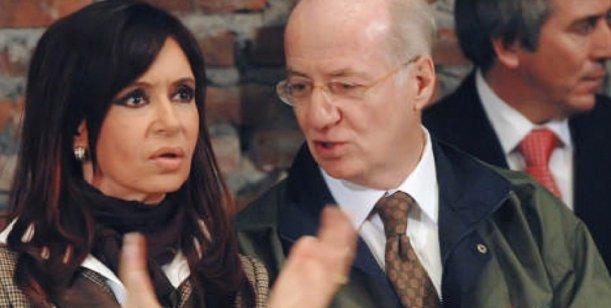 Los detalles del traslado de paquetes de dinero entre el Grupo Techint y los Kirchner