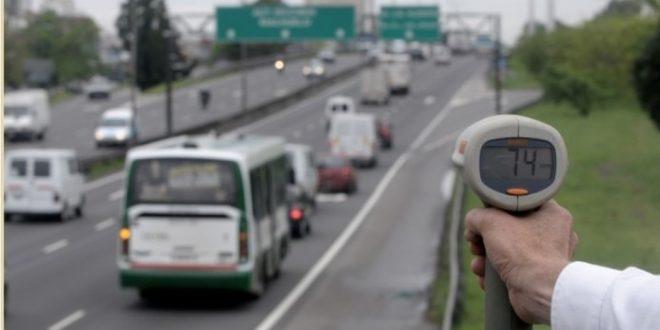 Un año de patente gratis a quienes respeten la velocidad máxima en la Ciudad de Buenos Aires