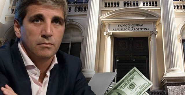 El dólar sube 3,8% a $ 39,58, ante la renuncia de Caputo al BCRA