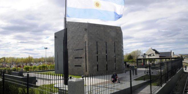 Un testigo aseguró que sacaron 40 bolsos con dinero del mausoleo de Néstor Kirchner