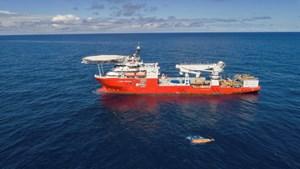 El buque que encontró al ARA San Juan partió a Sudáfrica con familiares veedores