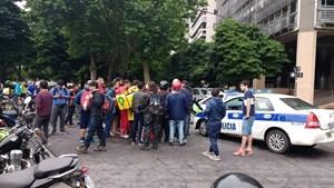 La Plata: balearon a un repartidor en un intento de robo y está grave