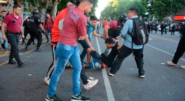 Liberaron a los 30 detenidos que protagonizaron los incidentes en la Superfinal Libertadores