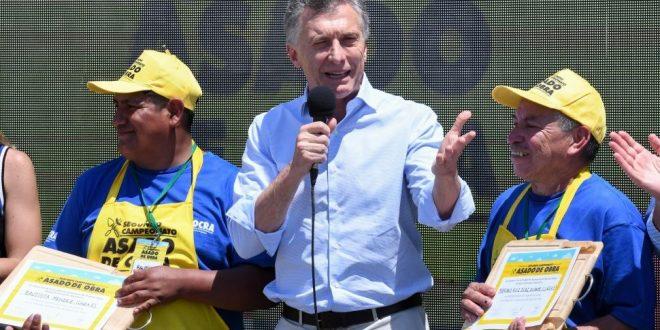 """Macri: """"Por más viento en contra que tengamos, vamos cambiando las cosas"""""""