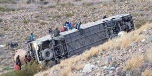 Volcó un micro que viajaba desde Chile a Mendoza: murieron tres personas