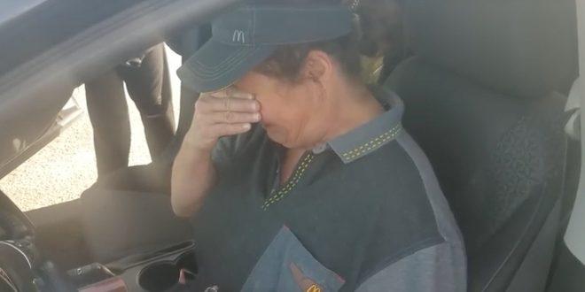Video: Un cliente le regala un auto a una empleada de McDonald's