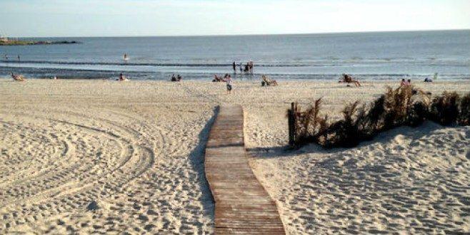 ¿Qué es y cómo ataca la bacteria de la playa que mató al turista en Uruguay?