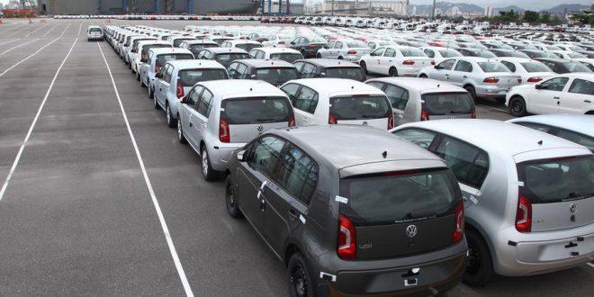 El stock acumulado de autos por vender llega a las 300.000 unidades
