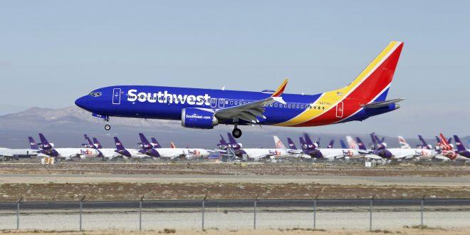 Otro Boeing 737 Max aterrizó de emergencia en Florida