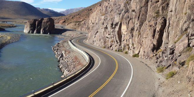 Abren un nuevo paso internacional a Chile para transporte de cargas